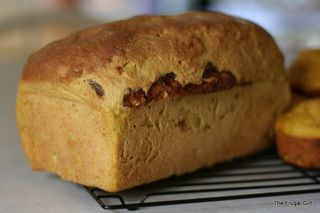 Frugal_girl_pumpkin_cinnamon_swirl_bread