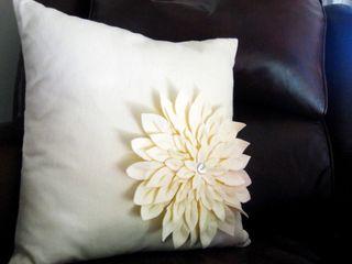 Snow-mum-pillow